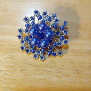 Brooch/Scarf Pin.  Vintage Style. Snow Flake.